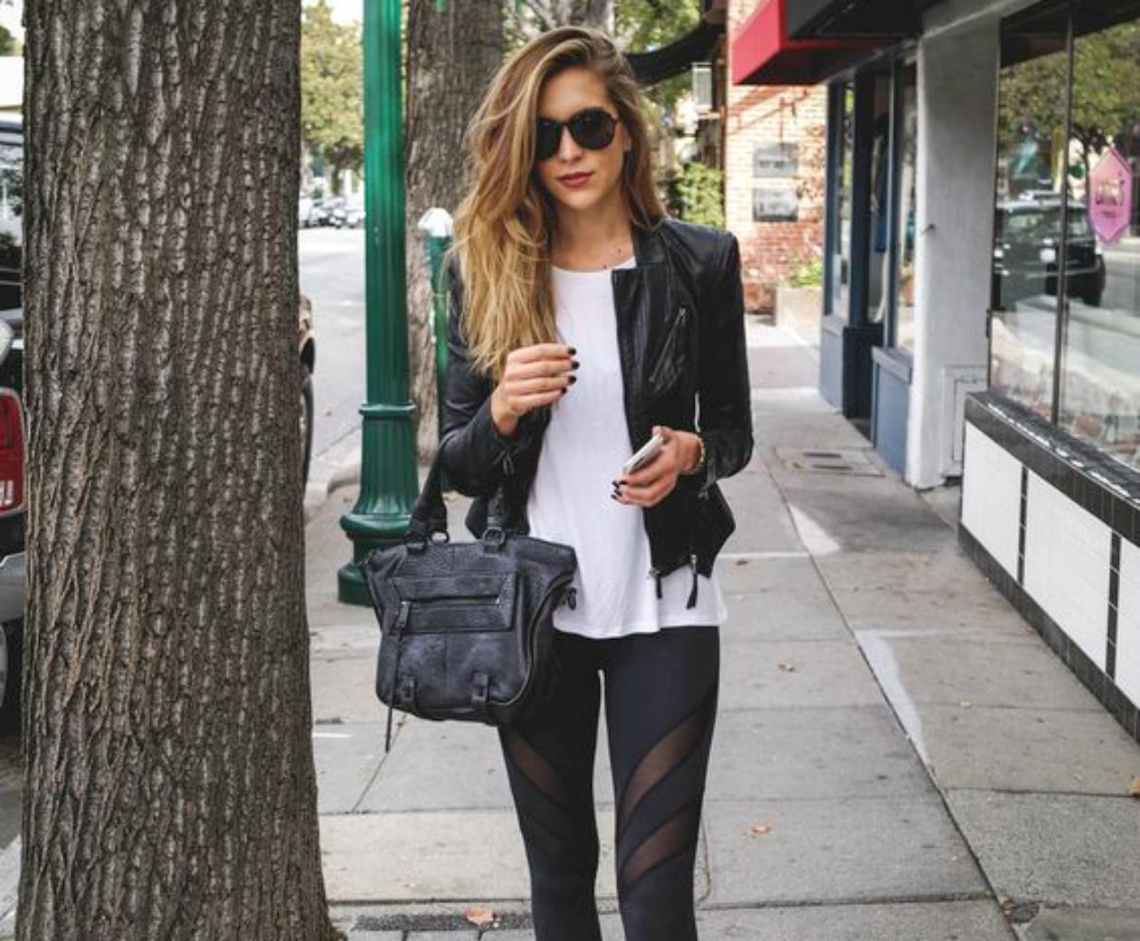 e355feba5c0 Σήμερα για τις βόλτες σου στα Ιωάννινα……φόρεσε το μαύρο σου κολάν ...